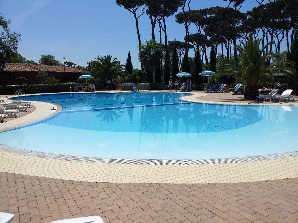 Zwembad Camping Paradiso te Viareggio in Toscane